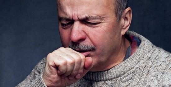 У пенсионера кашель